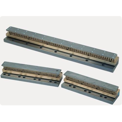 """Děrovací jednotka Punch 700 3/1"""" - s výsekem - čtvercové otvory 4 x 4 mm (2-dílná)"""